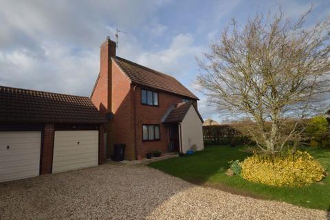 3 bedroom house to rent - Yew Tree Gardens, South Marston, Swindon