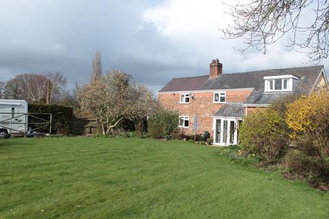 4 bedroom detached house for sale - Lower Hopton, Nescliffe, Shrewsbury, SY4 1DL