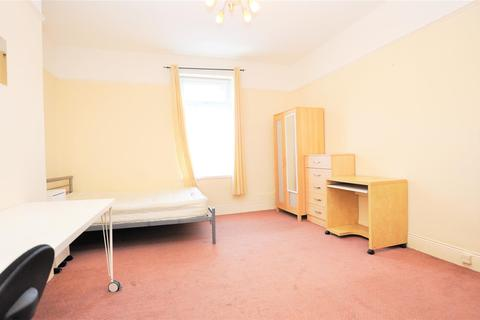 4 bedroom house to rent - Field Street, South Gosforth, Newcastle Upon Tyne