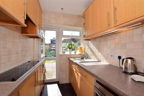 2 bedroom semi-detached house for sale - Allandale Road, Hornchurch, Essex