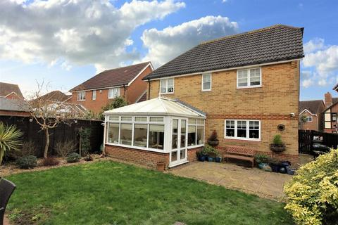 4 bedroom detached house for sale - Knights Park, Ashford, TN23 3PS
