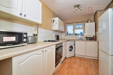 3 bedroom flat to rent - Paul St, Stratford, London, E15