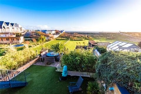 4 bedroom bungalow for sale - Brighton Road, Lancing, West Sussex, BN15