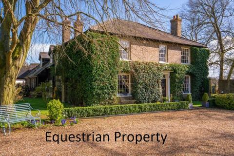 5 bedroom country house for sale - Soulbury
