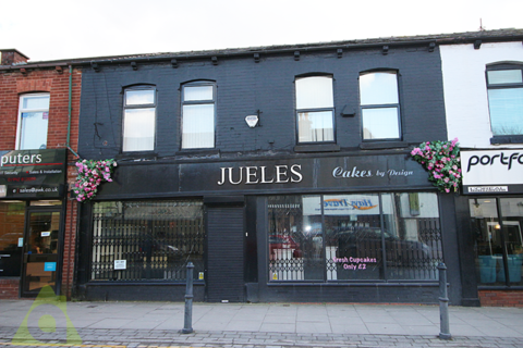 Office to rent - Market Street, Westhoughton, BL5