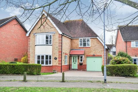 4 bedroom detached house for sale - Riddiford Drive, Chelmsford, Essex