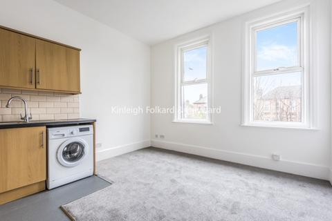 2 bedroom apartment to rent - Brownhill Road London SE6