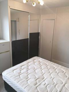 Studio to rent - Perham Road, Flat 5, London