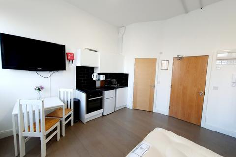 Studio to rent - The White Horse Woolwich Road, Flat 5, London, SE7