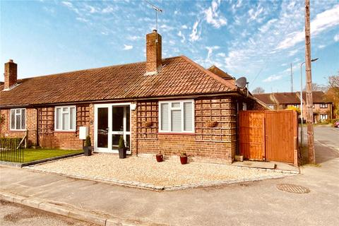 2 bedroom semi-detached bungalow for sale - Malthouse Square, Beaconsfield, Buckinghamshire, HP9