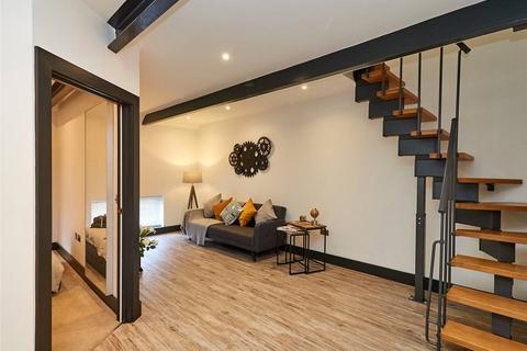 2 bedroom apartment to rent - London Court, East Street, Reading, Berkshire, RG1