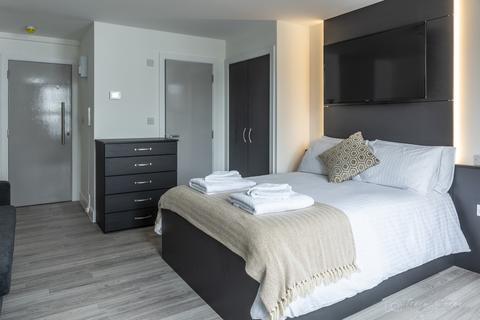 Studio to rent - Derry Villas Flat 8, 84-86 North Road East