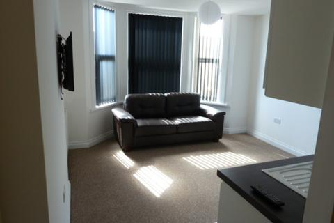 1 bedroom apartment to rent - Studio 6 - 8 Whitefield Terrace, Plymouth