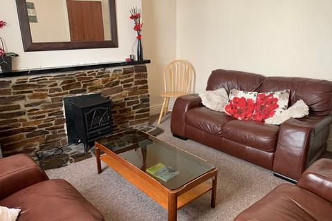 4 bedroom house share to rent - 14 Clifton Place