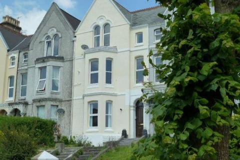 3 bedroom flat share to rent - FLAT B - Connaught Avenue, Plymouth