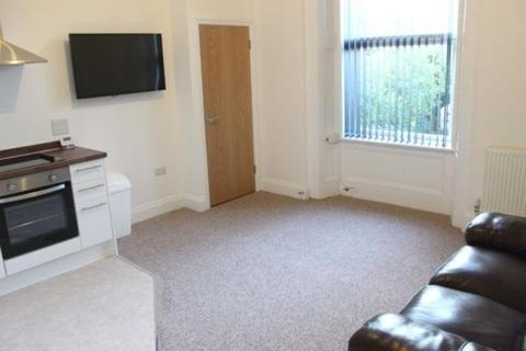 2 bedroom flat share to rent - North Road East, Plymouth