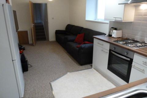3 bedroom flat share to rent - FIRST FLOOR FLAT, Room 1 - Wake Street, Plymouth