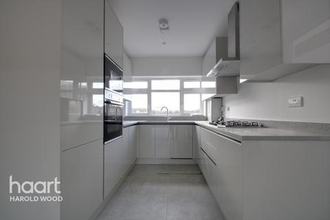 3 bedroom semi-detached house for sale - Summer Hill Terrace, Essex
