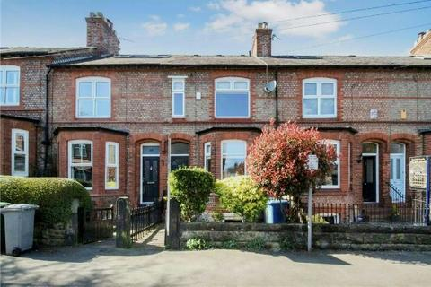 3 bedroom terraced house to rent - Hawthorn Road, Hale