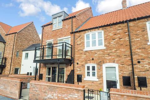 3 bedroom townhouse for sale - Horners Square, Fruit Market, Hull, HU1 1AP