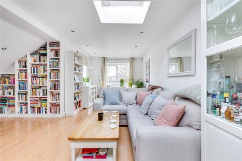 2 bedroom flat for sale - Balham Grove, London, SW12