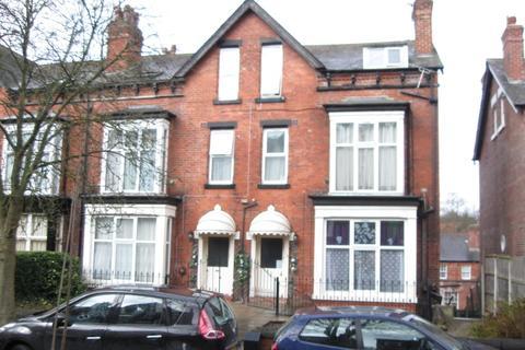 Studio to rent - Oakwood Avenue, Leeds LS8