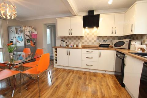 3 bedroom semi-detached house for sale - Clive Road, Barry