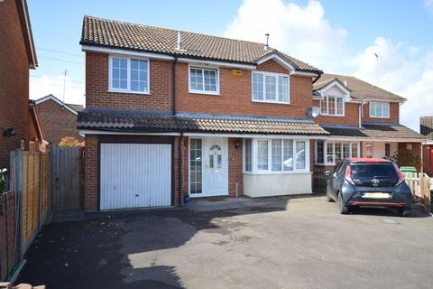 4 bedroom detached house for sale - AYLESBURY BUCKINGHAMSHIRE