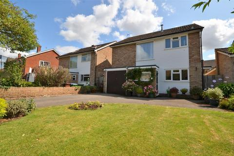 3 bedroom detached house to rent - Thame Road, Haddenham, Aylesbury