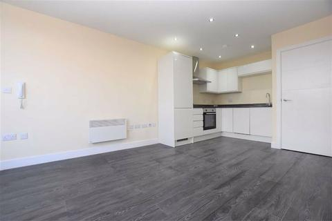 Studio to rent - Riseley, Basingstoke Road, Reading