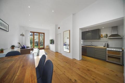 2 bedroom flat for sale - Olive Road, London