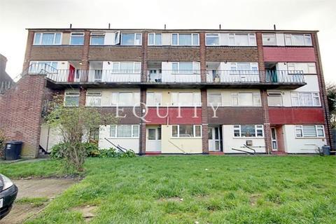 2 bedroom maisonette for sale - Lopen Road, LONDON, N18