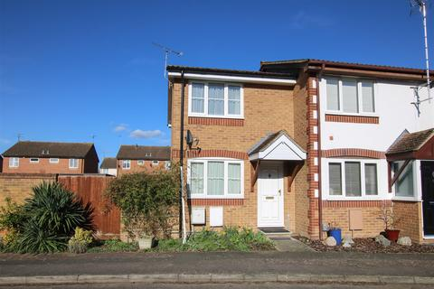 2 bedroom end of terrace house for sale - Oat Close, Aylesbury