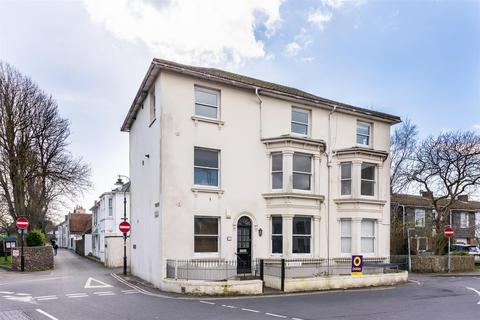 2 bedroom flat for sale - Westover, Church Street, Shoreham-By-Sea