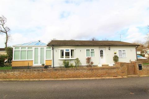 2 bedroom park home for sale - Park Lane, Finchampstead, Wokingham, RG40 4PY
