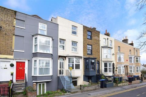 3 bedroom terraced house for sale - West Cliff Road, Ramsgate, Kent