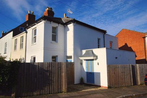 3 bedroom end of terrace house to rent - Cheltenham GL53