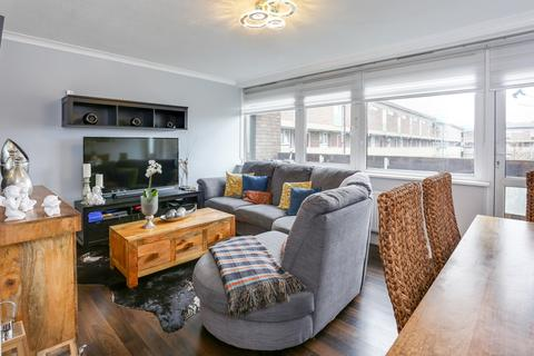 3 bedroom flat for sale - Mursell Estate, Stockwell, SW8