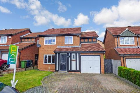 4 bedroom detached house for sale - Dominies Close, Rowlands Gill, Tyne and Wear, NE39 1PB