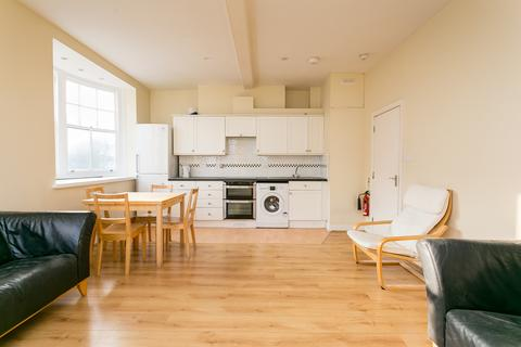 4 bedroom flat to rent - Streatham High Road, Streatham
