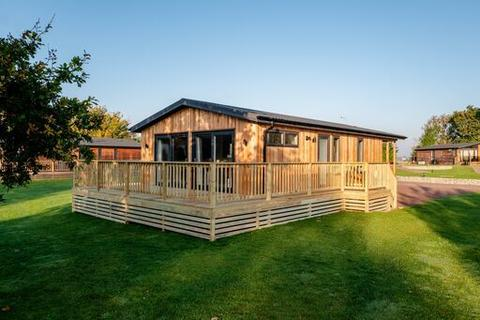 2 bedroom holiday lodge for sale - Semi-rural location near to Llandrindod