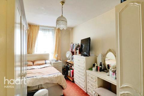 1 bedroom flat for sale - Silverdale Road, Hayes