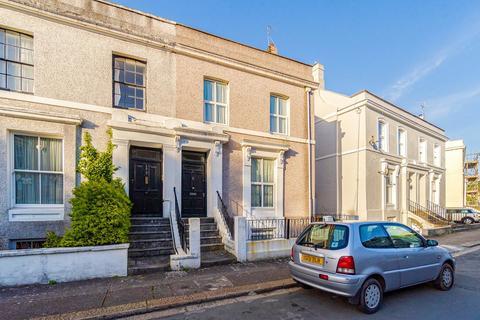 4 bedroom semi-detached house to rent - Fellowes Place, Millbridge
