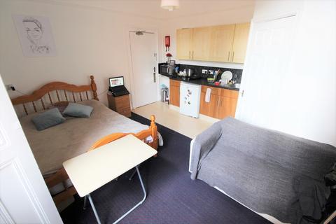 Studio to rent - Flat 2 Holyhead Road, Coundon, CV1 3AA