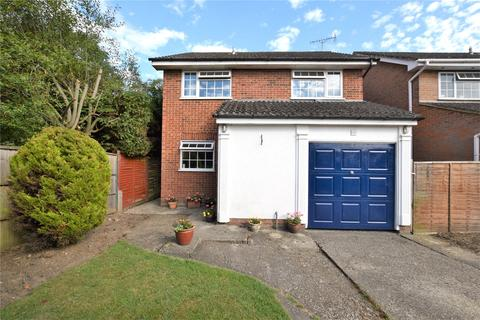 4 bedroom detached house to rent - Ashbury Drive, Blackwater, Camberley, GU17
