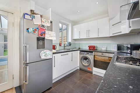 3 bedroom terraced house to rent - Westdean Avenue, London SE12