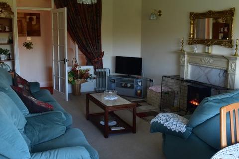 2 bedroom flat to rent - Tenby