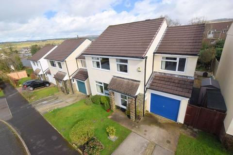 4 bedroom detached house for sale - A great Family Home in St. Davids Road, Tavistock
