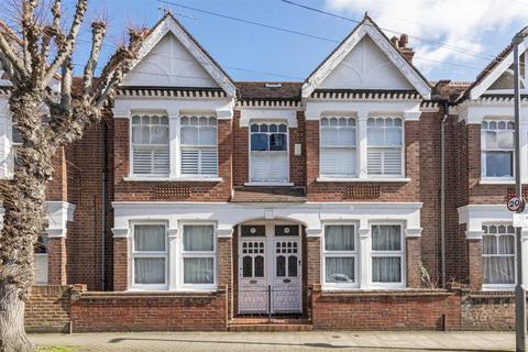 3 bedroom flat for sale - Badminton Road, London