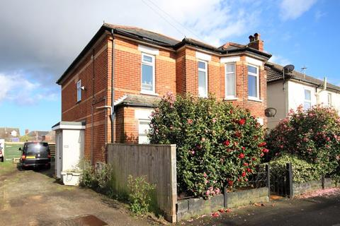 2 bedroom apartment - Morley Road, Pokesdown, Bournemouth